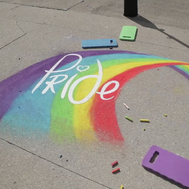 Wishing a happy @PrideLdnFest to the #WesternU and #LdnOnt LGBTQ2+ communities! Today we celebrated with chalk art and the official raising of the Pride Flag on the Concrete Beach ❤️🧡💛💚💙💜  Join walk with Western during the 25th London Pride Parade: https://www.uwo.ca/faculty_staff/initiatives/pride/index.html…