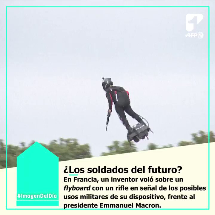 #ImagenDelDía Franky Zapata inventó este flyboard que tiene el poder de despegar y alcanzar velocidades de hasta 190 kilómetros por hora (118 mph). ¿Crees que podría tener otros usos diferentes a la guerra? 🤔