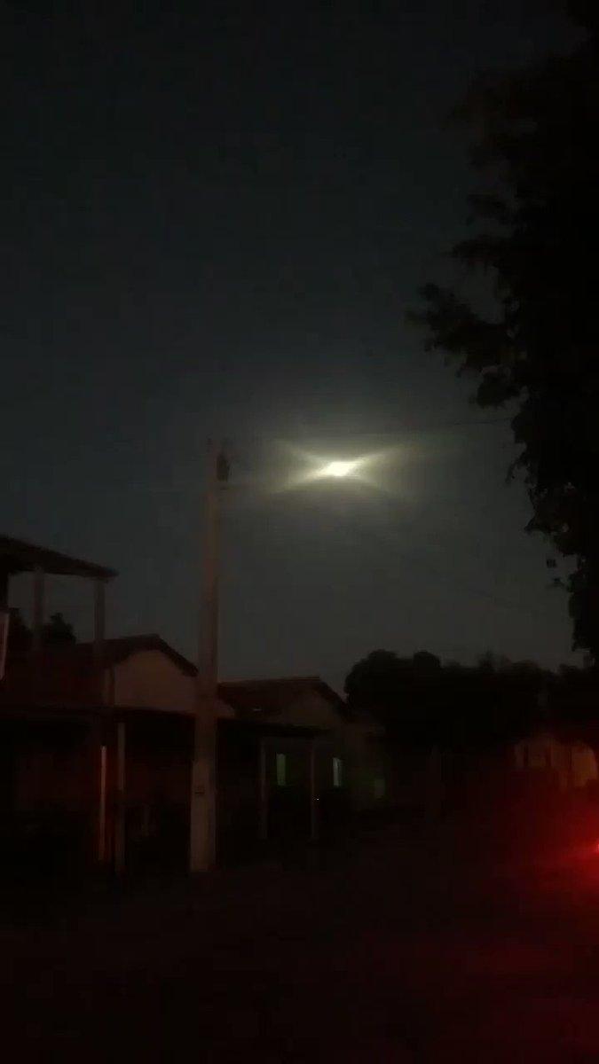 a perfeição do nordeste negas, de um lado a lua, do outro o sol... smash