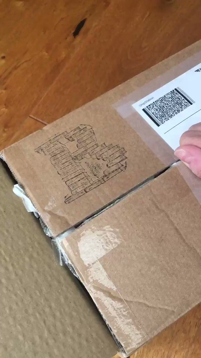 A quick unboxing video of my first @bertsbooks order. Easy to order, always kept up to date on order status and quickly delivered. 😀 And look I got 3 free books with my ribbon! 😆😆 #booklovers #bookshelf #bookshop