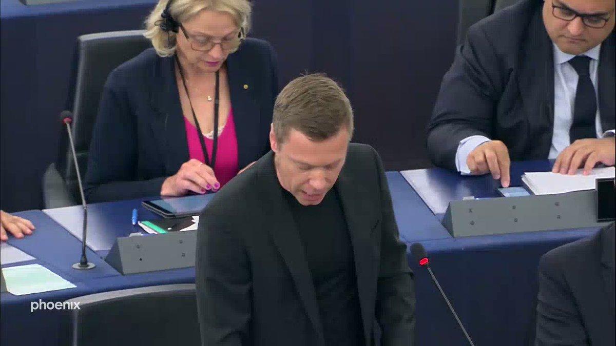 113 Millionen Menschen lebten in der #EU in Armut: Martin @schirdewan @dieLinkeEP gehen @vonderleyen|s Ankündigungen in der Sozial- und Steuerpolitik nicht weit genug. Er kündigte erwartungsgemäß an, dass seine Fraktion @GUENGL keine Zustimmung für ihre Kandidatur geben werde.