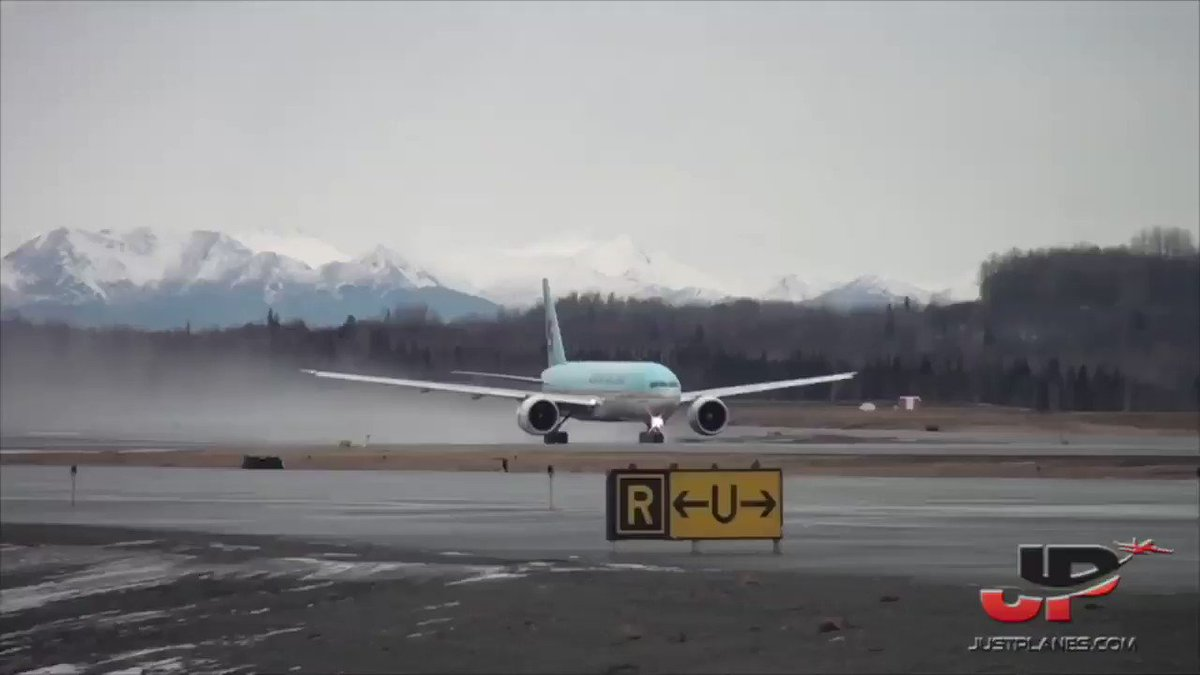 ✈️❤️✈️ Just Planes ✈️❤️✈️ 🎥 Watch our Aviation  videos ↙️ 💻 http://facebook.com/justplanes 💻 http://youtube.com/JustPlanes  #avgeek #airbus #boeing #aviation #planespotting #airline #Airport #landing #Pilot #pilots