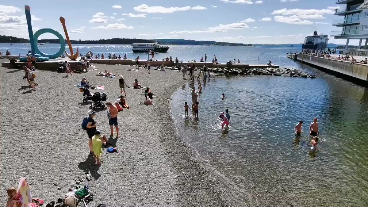 Summer in #Oslo 😊👍 The beach by @astrupfearnley today #swim #art #lovesummer @VisitOSLO