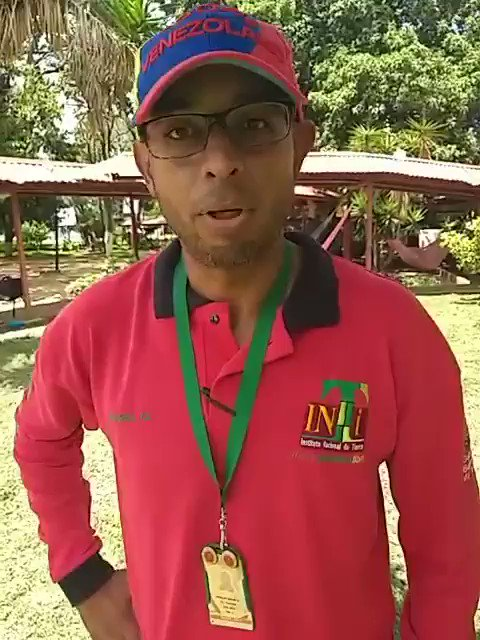 Compañero del sindicato del @INTi_Venezuela apoyando a los #campesinos Busca más información @ErikaOSanoja @ErikaPSUV vamos @NicolasMaduro qué pasó con el presidente del pueblo. #ContraElLatifundio