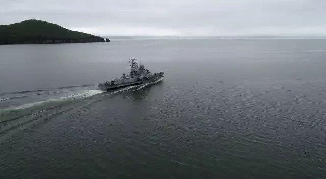 #ВМФ🇷🇺#Russian #Navy RFS 423 'Smerch', a Nanuchka I Class of project 12341 missile corvette  after modernization. Now she has 4x4 launchers SS-N-25 Switchblade.  Footage via @Samurai_razor