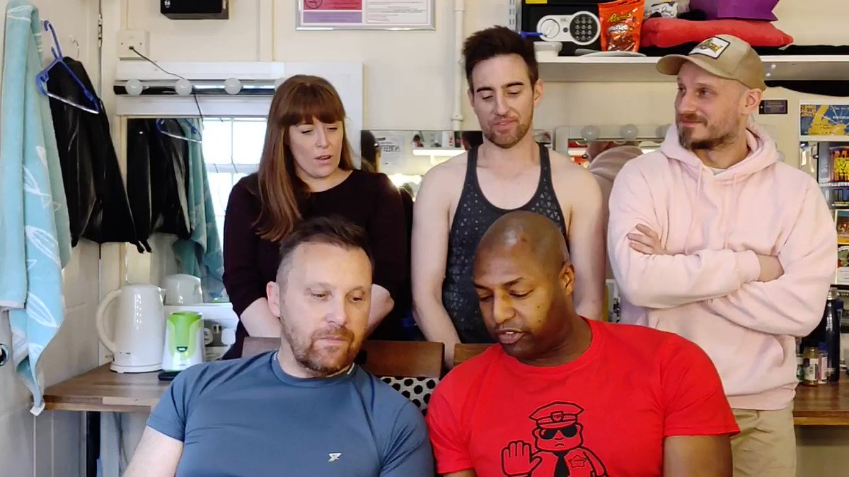 The Kevins are back with #MeAndThisGuy! 🤗 @DShannonmusicand @MrHumeswap stories with our SUPER STANDBYS and answer the question on everyones lips... What exactly does a bonobo chimp sound like? 🤔😆 facebook.com/ComeFromAwayUK…