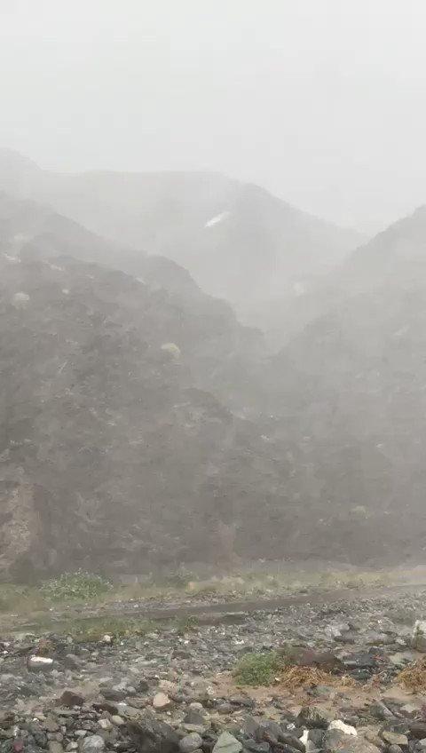 من أمطار الخير والرحمة بـ #وادي_بني_عوف بولاية #الرستاق تصوير : أبو عزام  @abuazzam9661 . #الخيمة_العمانية