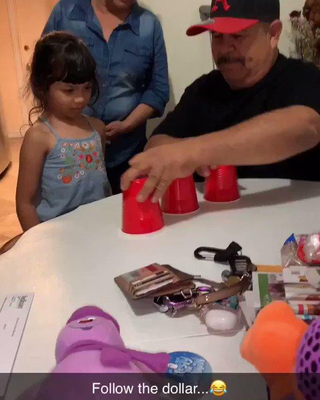 My dad hella played my niece 😂💀