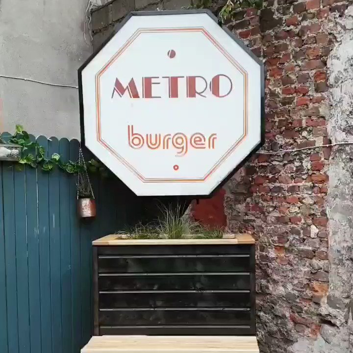 That moment when #MetroBurgerDublin lit up for the first time in decades 🍔🧡💡 #DublinGhostSigns