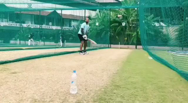 Yuvi Paaji, here is my #BottleCapChallenge! This is the first time I am picking my bat up after my injury..feels good to be back! 💪@YUVSTRONG12