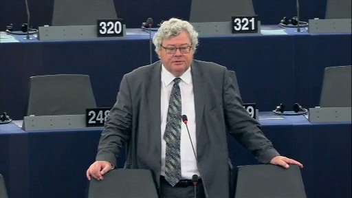 When we see people rising in defence of their civc and human rights, we as Europeans must express our solidarity - Co-chair @bueti on the resolution on the situation in #HongKong adopted by the European Parliament today