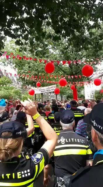 Laatste dag Nijmeegse Vierdaagse van start. Ook de politie loopt mee.