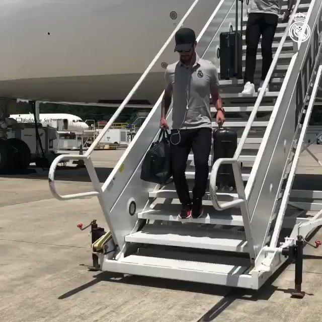 🛬🇺🇸 ¡Hola Houston! #RealMadridIsHere | #RMTour https://t.co/wO3RABmaew