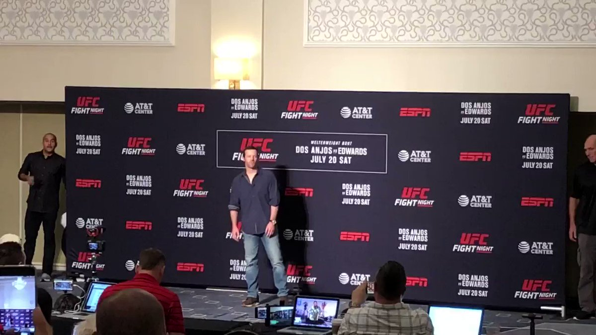 No shenanigans at the face-off between @danthehangman and James Vick in San Antonio this morning.  The Hangman has made weight and is ready to have at it!  👊🇳🇿  Odds: http://bit.ly/2JQB7nj