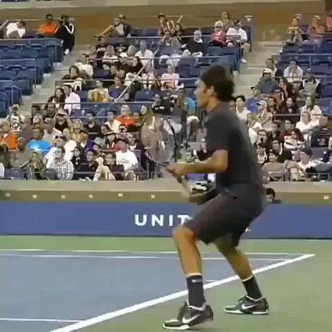 Federer's footwork is a thing of beauty!!!   #Federer #UsOpen 2011
