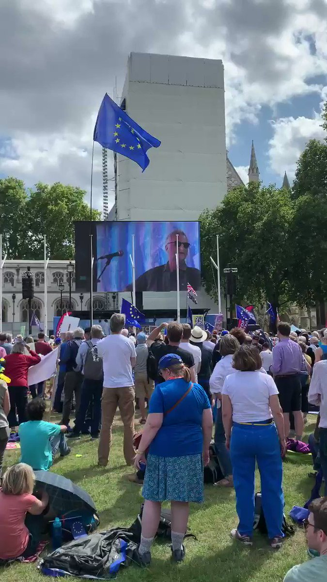 Billy Bragg sharing our remainer view of the EU with gorgeous reworked lyrics to Ode to Joy. 🥰🇬🇧🇪🇺 'See now like a phoenix rising from the rubble of the war. Hope of ages manifested, peace & freedom evermore.' #MarchForChange #YestoEurope #RevokeArticle50 #StillintheEU