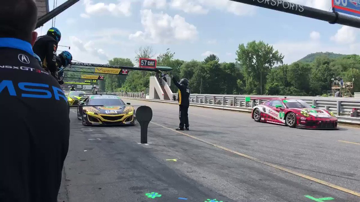 Solid stop by the MSR boys as @ChristinaRacing comes in and @katherinelegge takes over. #NortheastGP #IMSA #HPD #NortheastGP @Acura @CaterpillarInc #catracing @HeinricherRaces