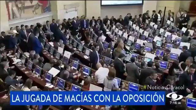 """Hasta el último segundo Macías haciendo """"jugaditas"""" en contra del debate democrático."""