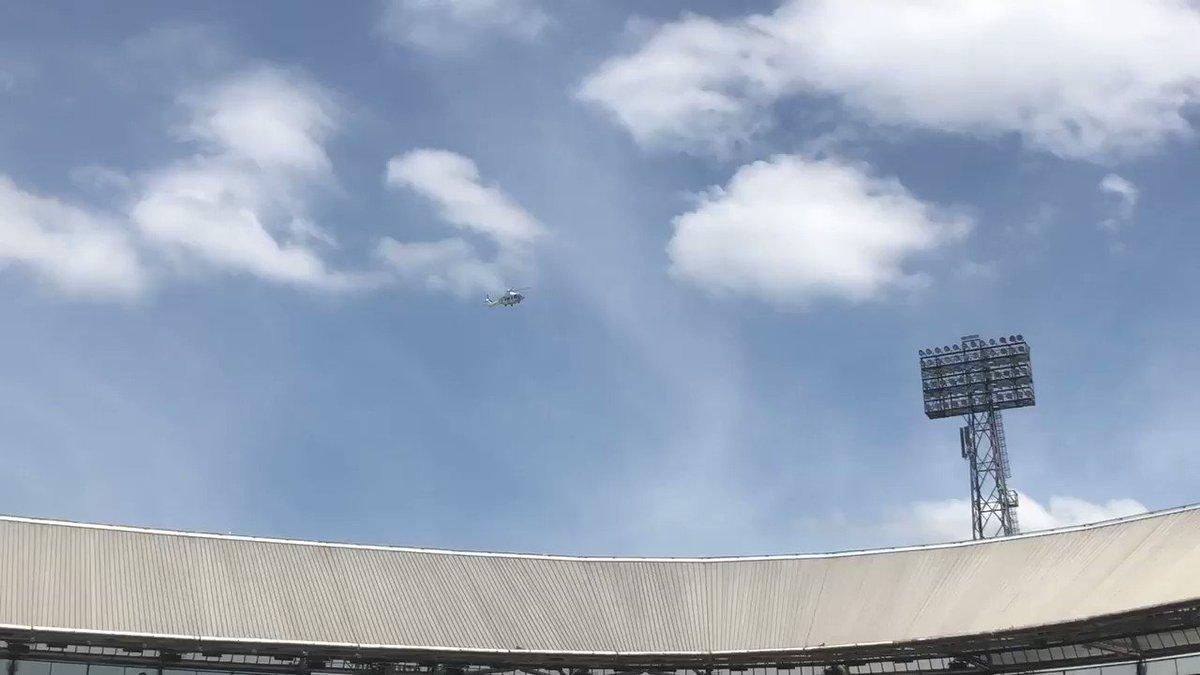 Helikopter arriveert op Open Dag Feyenoord
