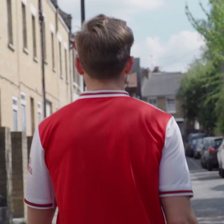 We're so excited to announce Camden as the official beer partner of @Arsenal FC. North London is red (+ it's thirsty!)  To celebrate we're giving away the ultimate beer + football season: WIN a pair of season tickets + home game beers all year. Enter here: http://www.camdentownbrewery.com/arsenal
