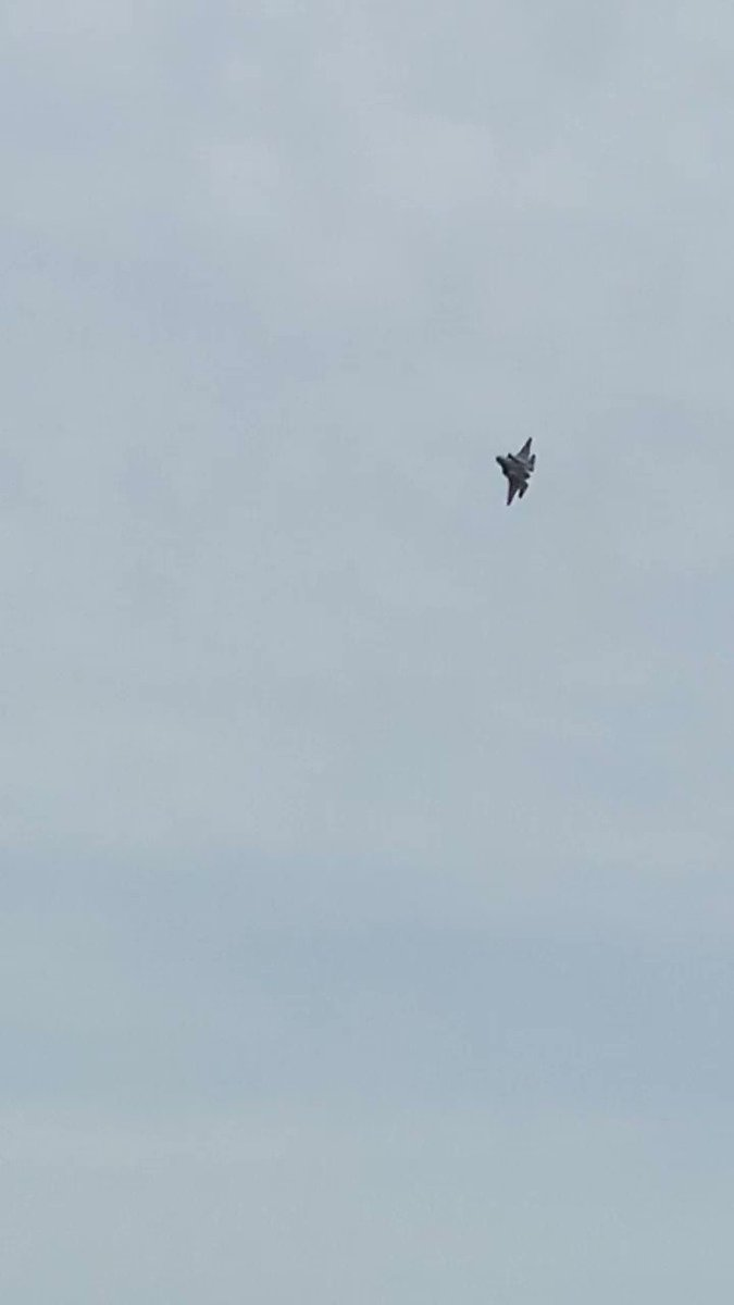 Video of the F-35 at the air show I was at my favorite plane 😱