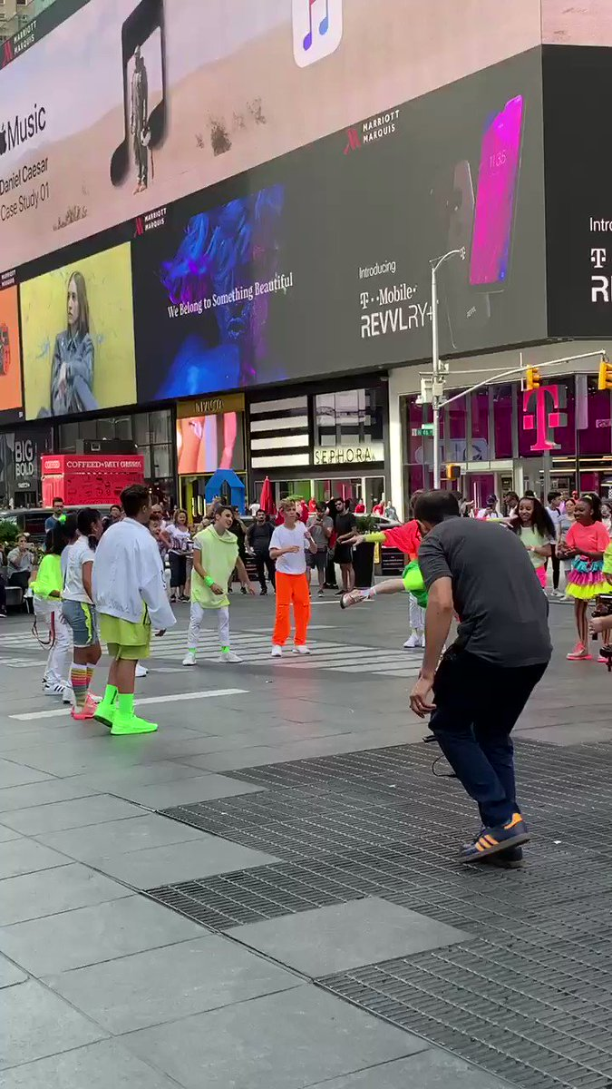 These kidz got moves! @KIDZBOP brought the energy this AM in #TimesSquare.