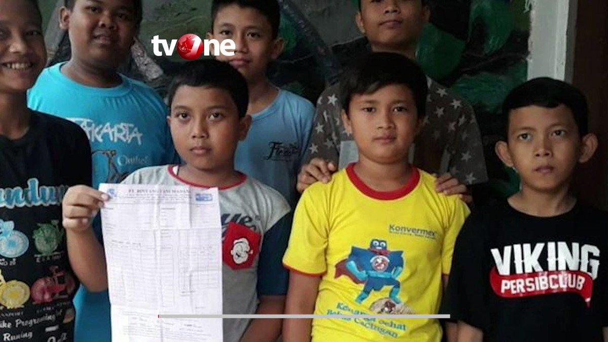 INSPIRATIF! 7 BOCAH DI BOGOR TABUNG UANG UNTUK BELI HEWAN KURBANSebanyak tujuh bocah yang masih bersekolah di Bogor mampu mewujudkan mimpi untuk berkurban. Mereka menjadi teladan di kampung tempat tinggalnya. #NewsOne