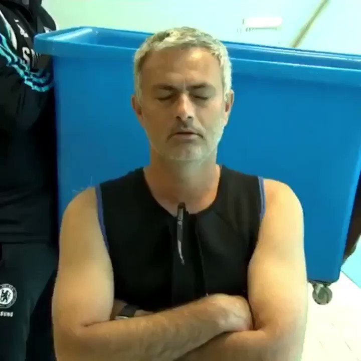 We could all do with a return of the Ice Bucket Challenge today... except perhaps Jose going by this throwback (📹 @ChelseaFC ) #heatwave #hot #sunny
