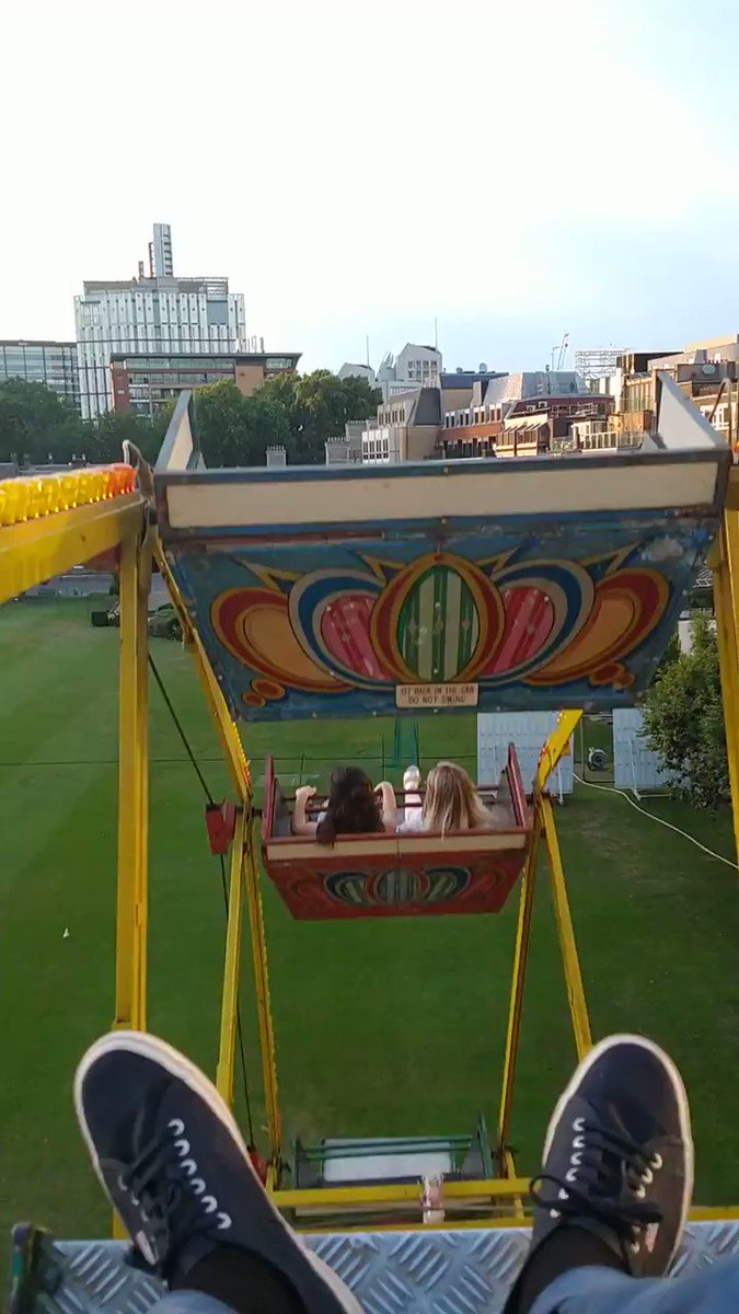 Thanks @HacEvents for a fun evening on the Ferris wheel! #londonevents #events