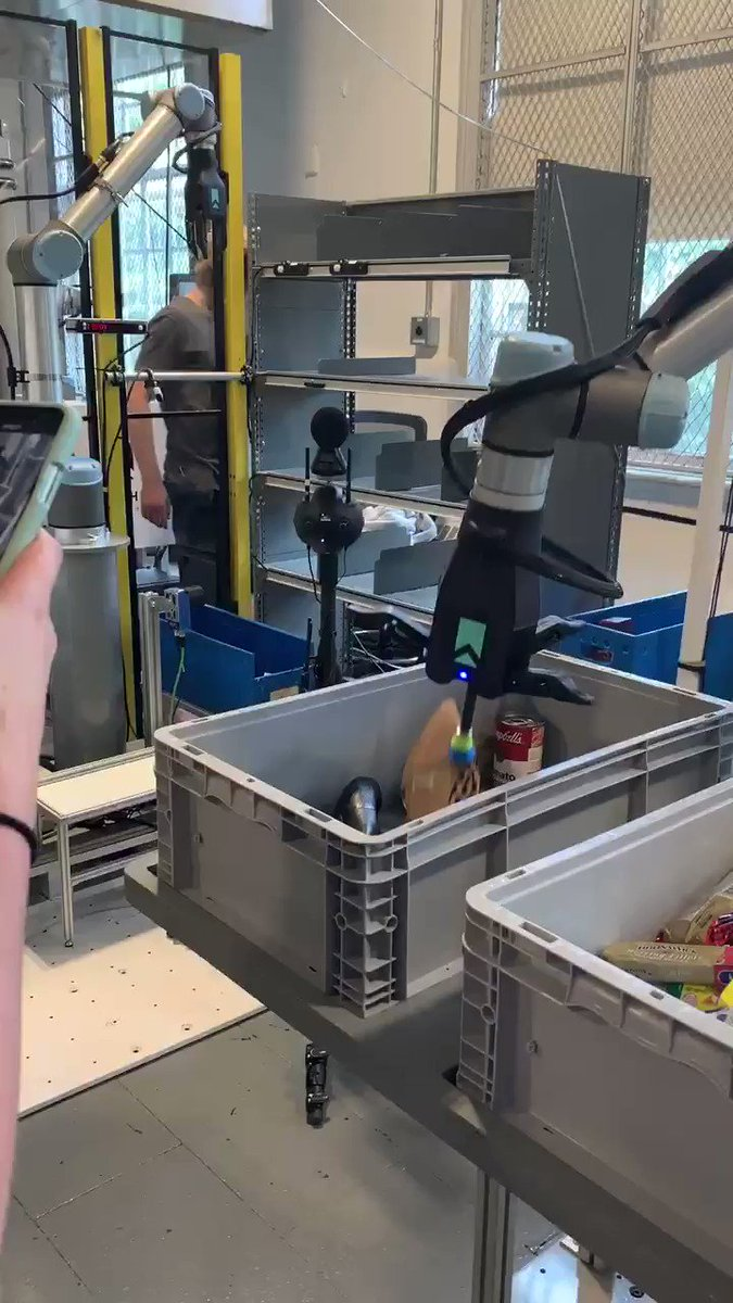 We just surrendered our shoes to the ⁦@RHRobotics⁩ robot to test its ability to pick up unfamiliar items. #shoptalk #groceryshop