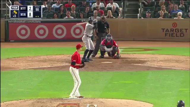 ⚾️#MLB   Didi Gregorius 🇳🇱 acaba de conectar el HR 💯 de su carrera en las Grandes Ligas, número 87 con los @Yankees (pegó 13 con los @Dbacks).8º que dispara contra los @Twins.