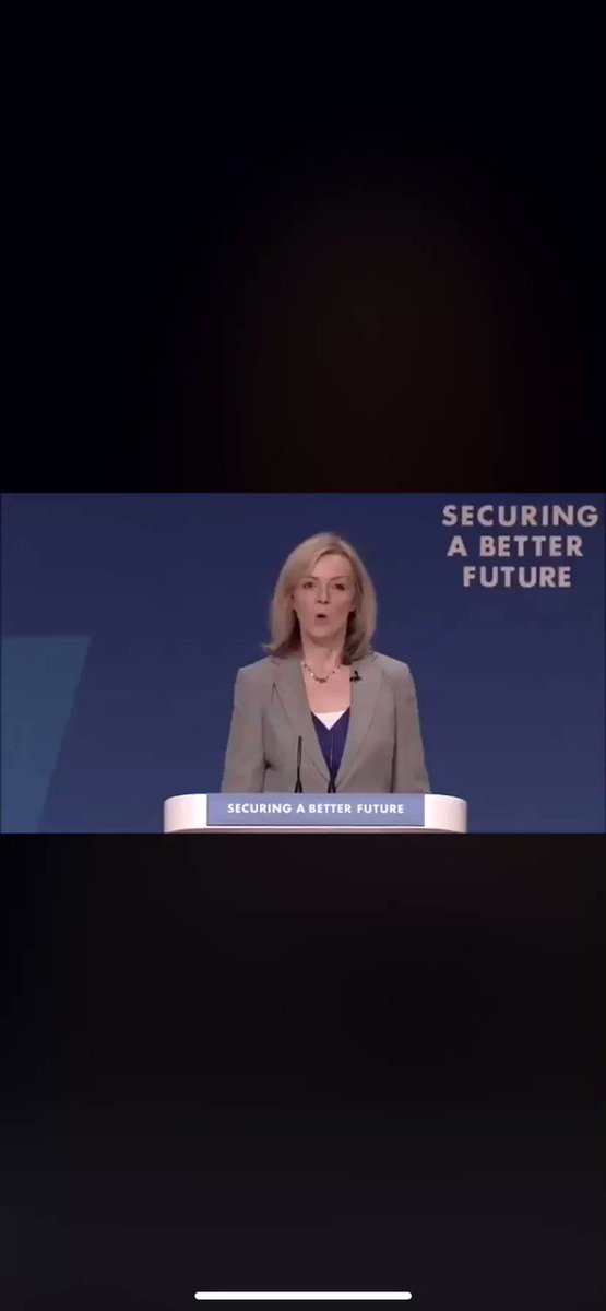 Liz Truss chairing today's #coronavirus briefing and that is a disgrace  pic.twitter.com/ajGUHqul37