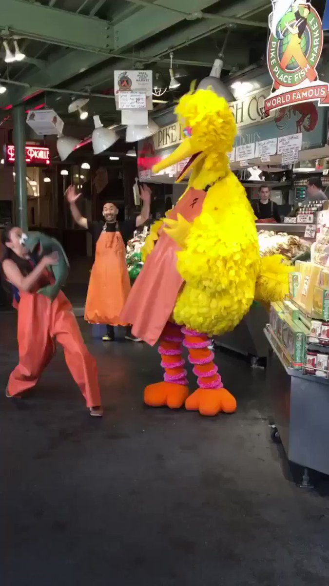 .@BigBird and Nina have officially arrived in Seattle, WA! First stop is @pike_place market! #ThisIsMyStreet