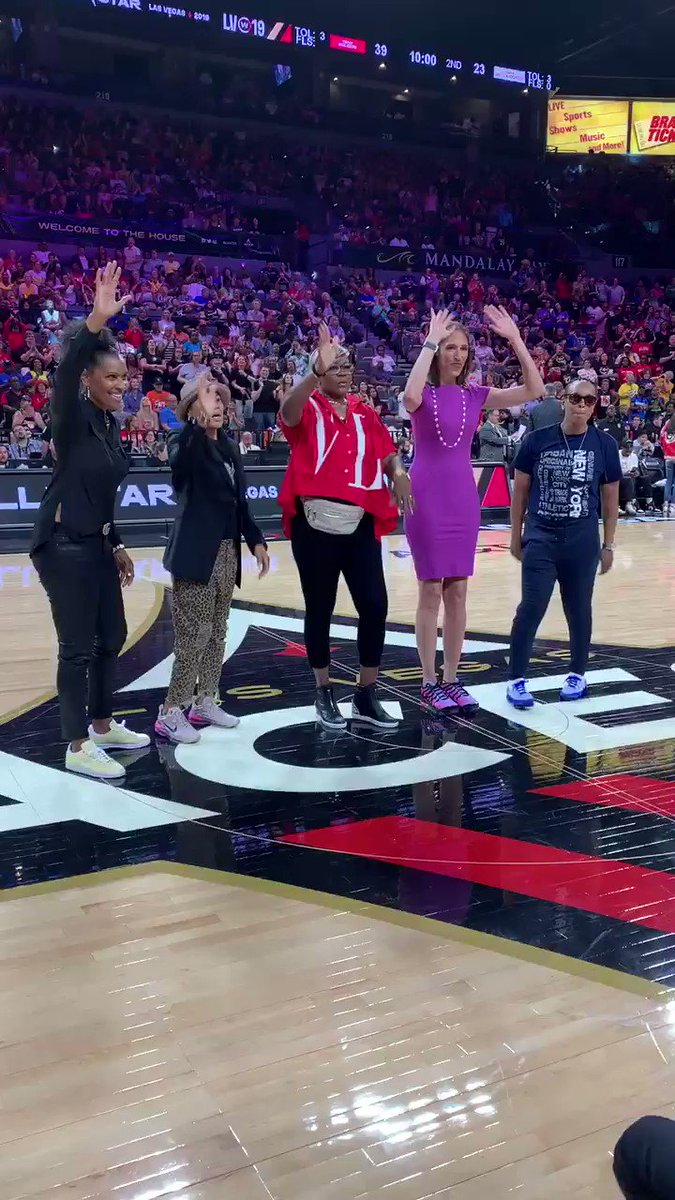 .@WNBA @Hoophall Legends are front and center at #WNBAAllstar with Lynette Woodard, @dawnstaley, @sswoopes22, @RebeccaLobo, @Finisher_11.  #LegendsofBasketball – at Mandalay Bay Resort and Casino