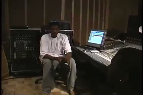 Kanye freestyling his verse on 'The Bounce' for Jay Z 🔥