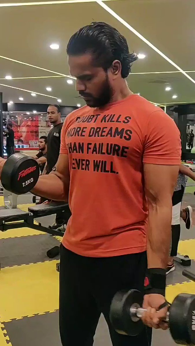 #100DaysChallenge mission accomplished  From 65Kg to 68.5Kg #leanmuscle growth and #bodyfatpercentage down to 19.8% from 24% wit constant cut on carbs to get #ripped Thanks for all th motivation n tips @arya_offl bro #BicepsDay today  #MMDDDDLCTWorkout pic.twitter.com/ljEwVixRvb