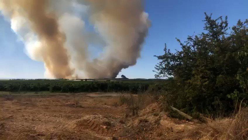 🔴 Crash d'un avion de la sécurité civile sur le site de l'incendie de Générac dans le Gard.