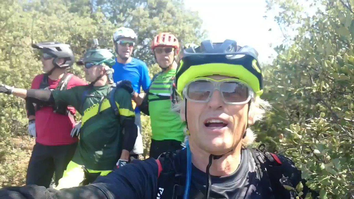 Tercera entrega de rutas endureras en bici en Ainsa y la última parte del video ya en Benasque!, aquí nos esperan más bajadas vertiginosas entre rocas y piedras!... con muchas risas, siempre risas...