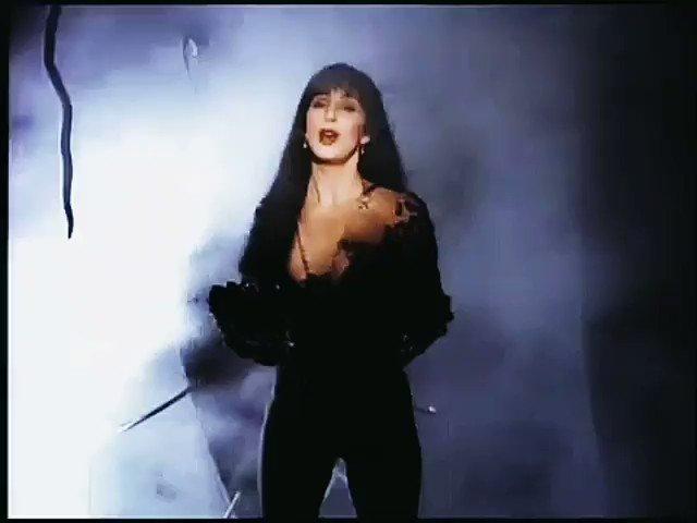 Happy 29th birthday to my fav Cher album aka Love Hurts