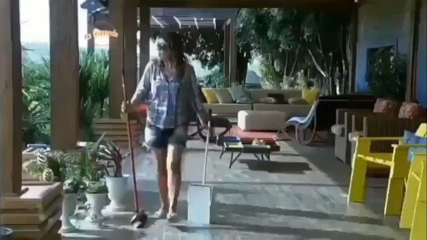 RT @Didigooo: Mara Maravilha entrando no #FofocalizandoNoSBT e o público mudando de canal  https://t.co/POBmaf1PY0