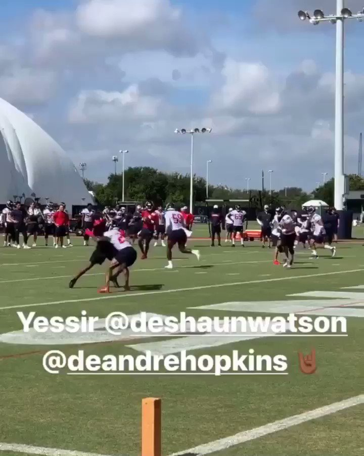 Camp trilogy 💥 @deshaunwatson #texans https://t.co/UcHYaBqpsF