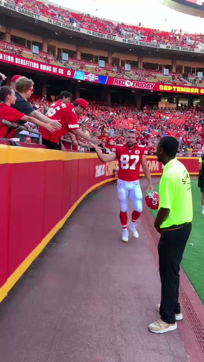 Travis Kelce is a man of the people as the guys head back into the locker room. https://t.co/cee5AI161O