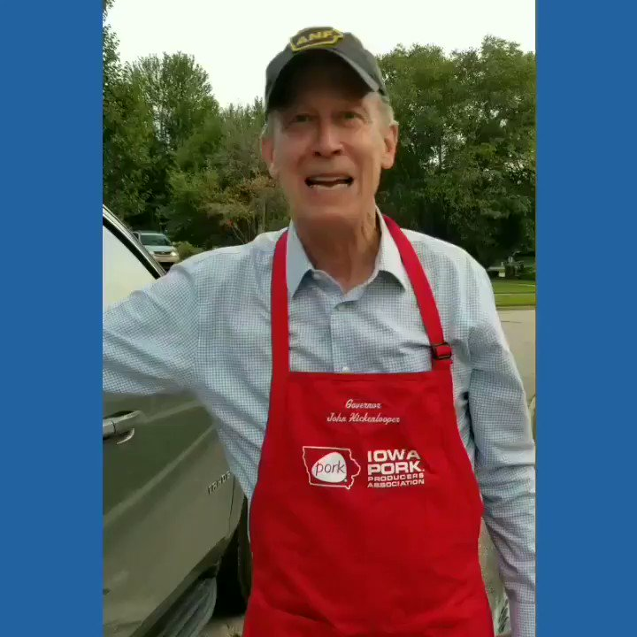 Do you think Robin will like my apron, @IowaPork?