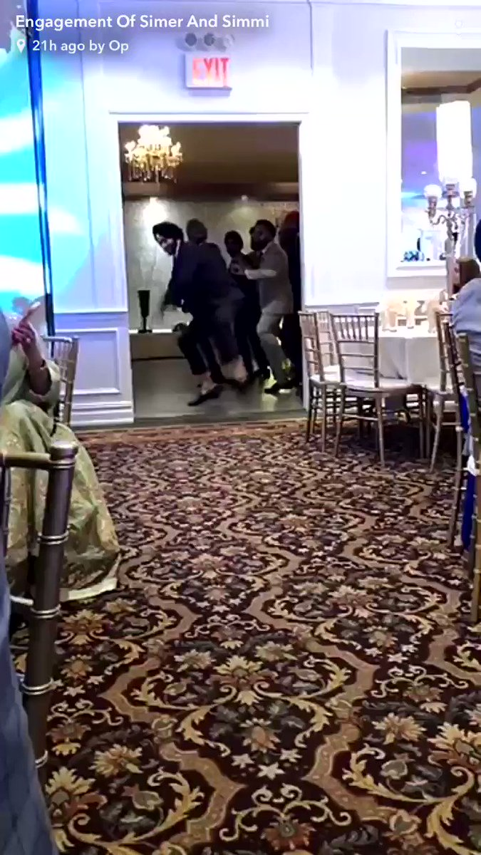 This is how Sikh men dance 💃 👳🏻‍♂️