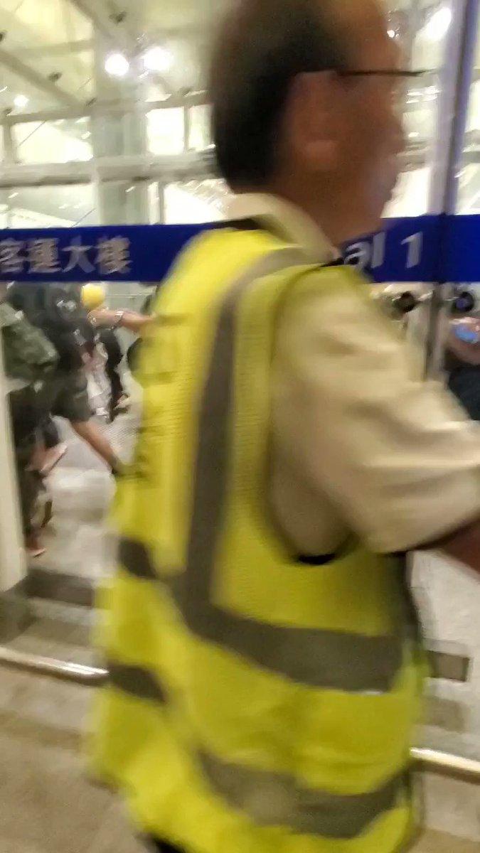 香港で何が起こっているのか
