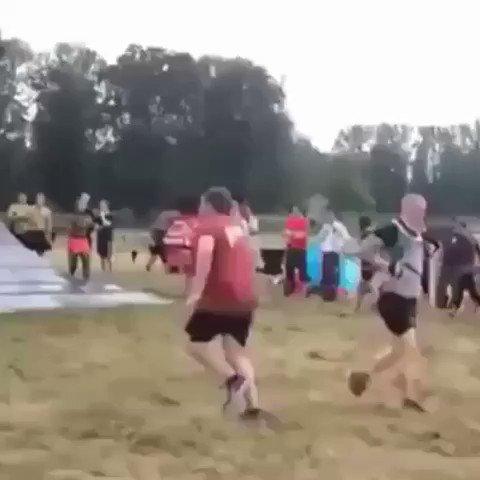 RT @SportsFunnies: Celtic reaching the next round like.... 😂😂  #CELCLU https://t.co/ERmWCgAQaX
