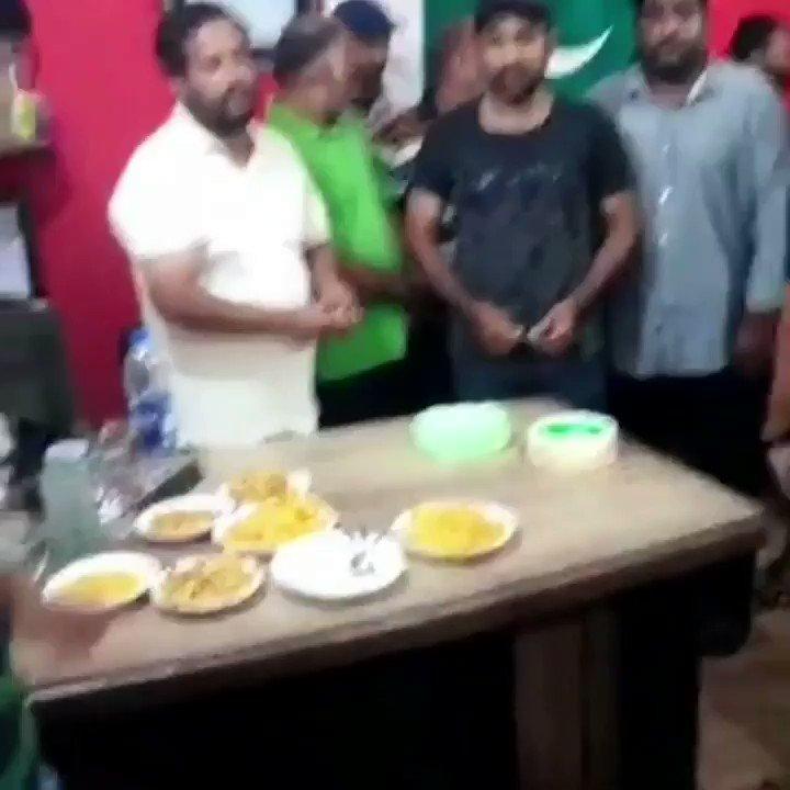 Captain @SarfarazA_54 at  @jdc_foundation for cake cutting ceremony.#IndependenceDay #Kashmir #SarfarazAhmed #Captain #Karachi #Lahore #Pakistan #PakistanZindabad #JDCFoundation