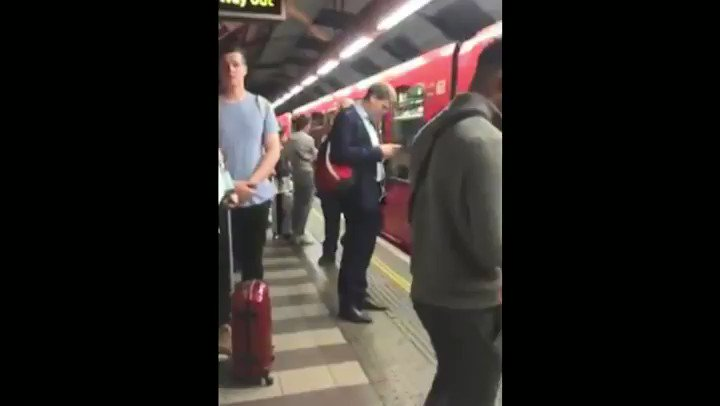 Lets get ready to rumble This guy at Bank tube station is doing a great impression of one of the most recognisable voices in sport, boxing announcer Michael Buffer 😂📢 #WednesdayMotivation #letsgetreadytorumble
