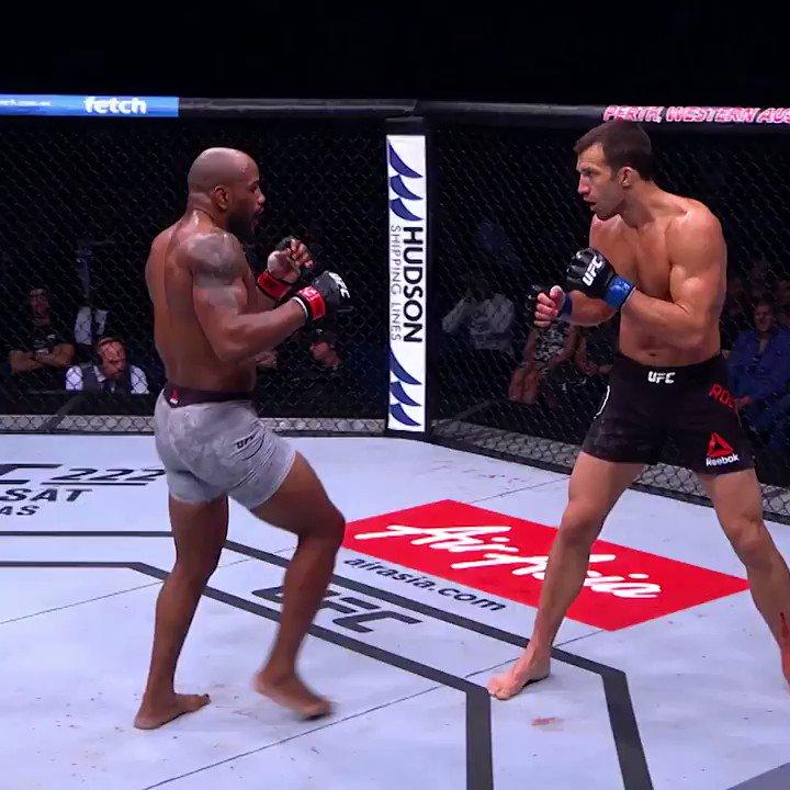 Levante la mano quien está emocionado por ver a @YoelRomeroMMA  🇨🇺 pelear de nuevo este sábado 🙋♂️🙋  #UFC241 ➡️ http://bit.ly/2Z42kg3