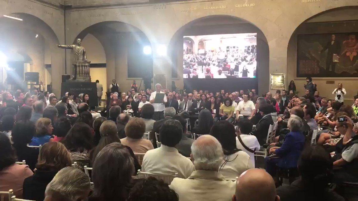 Ni perdón ni olvido. Los responsables de las de la desaparición forzada en Mexico deberán de comparecer ante las autoridades responsables. La democracia hoy, la debemos a los desaparecidos políticos de ayer. Es nuestra obligación exigir su libertad y castigo a los culpables.